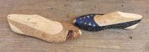 Horma de zapatos madera con cuero