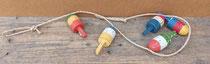 Ristra boyas de madera. Ref 232068. 105 centímetros largo.