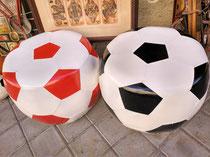 Pub con forma de balón de fútbol
