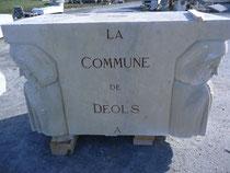 Ainsi, les monuments de nos communes sont restaurés par les sculpteurs et les tailleurs de pierre.