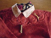 ウグイス笛のネコのブローチ