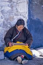 Old woman reading, Drepung Monastery, Tibet 1993