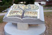 Mikhail Usteav - Druzba-Park- Skulptur, Beton-Keramik 120x200x200 cm