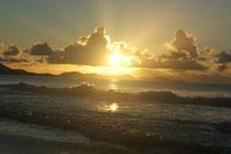 Lever du soleil sur la plage du Diamant