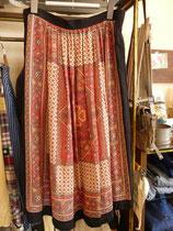 ●スカーフ柄スカート ¥4500  thanks sold