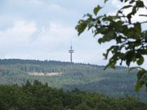 bei Bad Schwalbach mit Blick richtung Wiesbaden auf die Eiserne hand (Funkturm)
