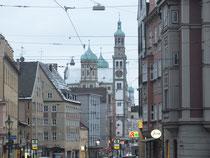 Hinten: St. Ulrich und Afra