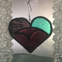 2 pink and green painted stained glass heart large 20€