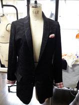 羽織で作ったボーイフレンドジャケットです。背裏と、袖口、ポケットにチェックの着物裏を使いました。