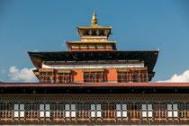 Der mittlere Turm des Dzongs ist den Mönchen vorbehalten.