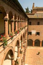 Aussicht auf den Hof der Abtei