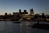 Abendliche Skyline von London.