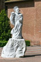 Hauptplatz mit Statue