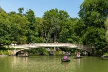 Eine der zahlreichen Brücken im Central Park.