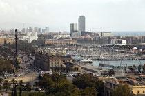 Blick auf den Hafen von Barcelona vom Montjuïc aus.