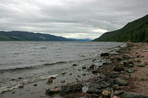 Loch Ness (gälisch: Loch Nis) ist ein in den Highlands im Norden von Schottland gelegener Süßwassersee.