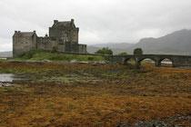 Eilean Donan Castle im Loch Duich (Highlands).