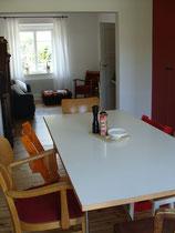 Reihenhaus Hufeisensiedlung - Essplatz mit offenem Wohnzimmer