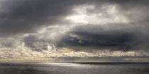 """Wolfram Wildner: """"Silberstreif am Horizont""""<br>Fotografie auf Leinwand – 60 × 120 cm<br>150,-€<br>Tel: 0152 55655718"""