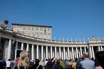 Les fidèles sous les fenêtres de Benoît XVI - Rome - Mars 2012 © Anik COUBLE