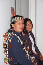 José Gualinga, représentant  la communauté quechua Sarayaku en Equateur et sa soeur  - Lyon - 0ctobre 2011  © Anik COUBLE