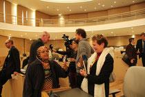 Echange entre participants  - Lyon - 0ctobre 2011  © Anik COUBLE
