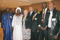 Jean-Jack Queyranne, Véronique Moreira et les participants africains - Lyon - 0ctobre 2011  © Anik COUBLE