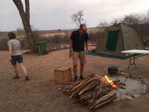 Die Zelte sind aufgestellt, nun haben alle Hunger