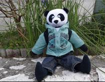 Monsieur Panda, mascotte personnelle d'un petit  Donovan ...