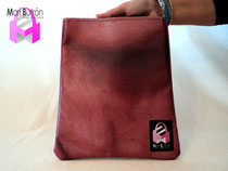 MB370 Camiseta. 15,00€ Largo 20cm. Alto 24cm. Funda iPad2, forro interior.