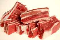 Costilla.Costilla para el caldo, da mucho gusto. Ideal para los que una vez hecho el caldo, se comen la carne hervida.