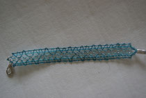 bracelet .modèle de l'association dentelle au fil de l'Aure