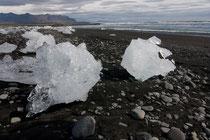 Gletschereis(Jökulsarlon) am Strand