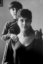 "Maria Thérésa,  "" Sésé "" Noy de Serrano , et sa fille,  1959"