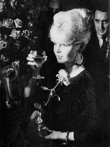 """La rose """"super star"""" décernée à Brigitte Bardot"""