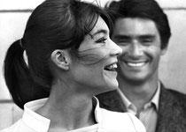 Françoise Hardy en Courèges, avec Sami Frey, 1965