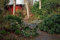 Der Weg durch den Schattengarten