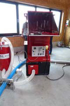 Die EM 340 kann mit dem Saugfaß zum Absaugen eingesetzt werden.