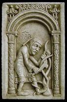MARZO - Disponibile in gesso o in pietra.   MARCH - Available in plaster or arenary stone.