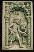 MAGGIO - Disponibile in gesso o in pietra.   MAY - Available in plaster or arenary stone.