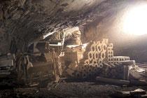 Verlassenes Bergwerk - Materialdepot