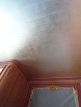 plafond à la feuille d'aluminium hotel particulier
