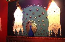 Decor Paon pour un restaurant Indien. Peinture et feuille d'or- Nice.