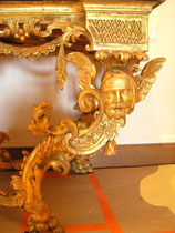 restauration traditionnelle à l'or fin sur mobilier ancien (fini)