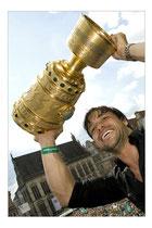 Diego, Fußball-Profi mit dem DFB-Pokal