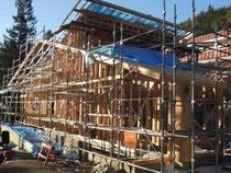 12月9日 屋根ができ 形がみえてきました
