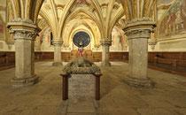 Stift Heiligenkreuz - 17.November 2014_053 Im Kapitelsaal befindet sich das eindrucksvolles Hochgrab wo  Friedrich II. der Streitbare (†1246).