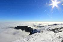 Schneeberg - 25.Oktober 2014_012 - ...und im Tal ist Nebel...