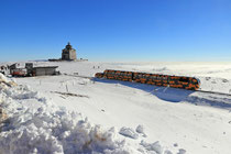 Schneeberg - 25.Oktober 2014_021 - ...von der Talstation - bis zum Endbahnhof (577 m - 1795 m) überwindet die Bahn einen Höhenunterschied von 1218 Metern.
