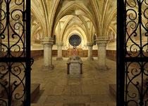 Stift Heiligenkreuz - 17.November 2014_052 Hier Kapitelsaal findet heutzutage die Feier der Einkleidung statt, die feierliche Aufnahme der Männer, die in das Kloster eintreten und mit dem Ordensgewand bekleidet werden.